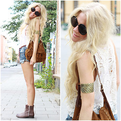 Anna Wiklund - Jfr Feather Cuff, Suede Bag, Boots, Feather Extension - ALL WE ARE SAYING IS GIVE PEACE A CHANCE