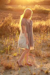 Becca H - Free P Star Light Grey Chiffon Dress, Diy Tote Bag - Don't Look Back Into The Sun