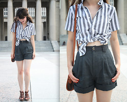 Lauren Winter - American Apparel Chambray Striped Button Up, American Apparel High Waist Linen Pleated Shorts, Madewell Leather Sunset Sandals, Thrift Store Vintage Leather Purse - Nashville summer