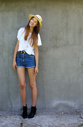 Maria Joanna - H&M Boots, Sh Shirt, Hat, Sh (Diy) Short, 2 Rings & Necklace - When you smiling! :)