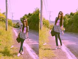 Jonii Alburo - Thrifted Top, July Skinny Jeans, Sanuk Sandals, Ray Ban Shades - The love