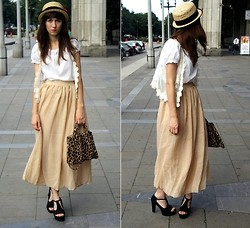 Bernadetta Pasternak - Nude Chiffon Maxi Skirt, Platforms, Vintage Leopard Bag, Frontrowshop Hat - Nude Obssesion