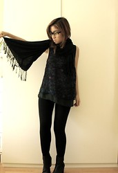 ALI B. - Urban Outfitters Top, American Apparel Black Leggings, Vintage Black Scarf - Casual Monday