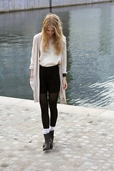 Maria B - H&M Cardigan, H&M Shoes, Second Hand Blouse - BY/THE/SEA