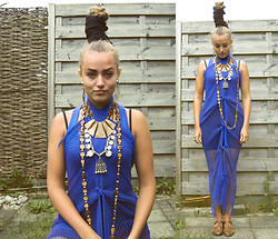 Olga Nunnink - All Vintage Except For The Necklaces - Blue end of the summer, or isn't it?