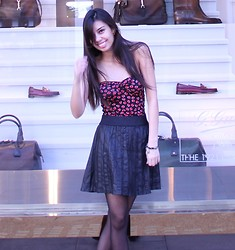Yasmine Copperfield - Topshop Skirt - The type of kisses where teeth collide