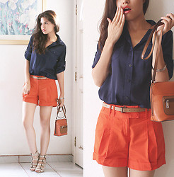 Adriana Gastélum - Forever 21 Navy Shirt, Orange Shorts, Jaclyn Smith Orange Minibag, Asos Nude Strap Wedge Sandals, Visit My Blog! - If I could buy my reasoning I'd pay to lose
