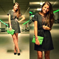 Alexandra Per - Pepa Loves Dress, Fun&Basics Clutch, Stradivarius Pumps - Green lights for my green clutch