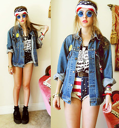 Bebe Zeva - Once Youth American Blood Tank, Romwe American Flag Shorts, Levi's® Jean Jacket - AMERICAN BLOOD