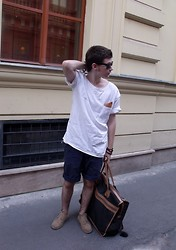 Steve Simon - Diy Selfmade Tee With Pocket, Diy Selfmade Handkerchief, H&M Shorts, Thrifted Vintage Desert Boots, Vintage Bag - The Last Day of Summer