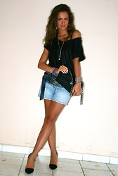 Gresy D. - H&M Top, Chanel Bag, H&M Boyfriend Jeans, Zara Heels - See more on my blog :D