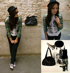 Diana On Stylepoetry - Converse Sneakers, Volcom Jeans, H&M Jacket, Romwe Shirt, Volcom Bag, Ray Ban Sunglasses - In the Band