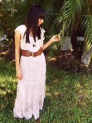 Rosie Guillen - Skirt, Belt, Air Plane Necklace - Pretty hippie<3