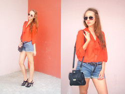 Katerine Shemyakina - H&M Blouse, H&M Shorts, H&M Glasses - TODAY
