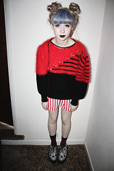 Kayla Hadlington - Cow Vintage Jumper, Car Boot Sale Shirt, Ebay Socks, Ebay Creepers - Who can catch lighting in a bottle, set fire to water