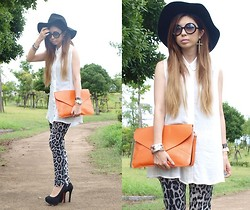 Asami Takata - Clutch Bag, Bebe Hat, Azul By Moussy Shirts - Last summer...