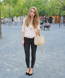 Shannon K. - Zara Bag, Zara Pants, Urban Outfitters Heels, H&M Blouse - Urban Outfitters Opening Frankfurt
