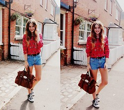 Olivia Purvis - Toi Et Moi Blouse, Vintage Belt, Topshop Shorts, Mulberry Bag, Converse Shoes - I saw two shooting stars last night