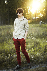 Paweł Lewandowski - Ray Ban Wayfarer, H&M Shirt, Zara Red Pants - Sunset