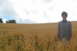 David Smale - Ebay Tweed Jacket, Jack Wills Brackenhill Long Sleeve Tee, Topman Stone Roll Up Shorts, Asos Clubmaster Sunglasses - Lost In a Field of Dreams.