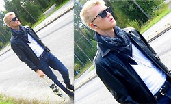 Jussi Lustig - Cheap Monday Sunglasses, Rough Justice Leather Jacket, H&M Belt, Selected Boots - Warp 1.9 - The Bloody Beetroots