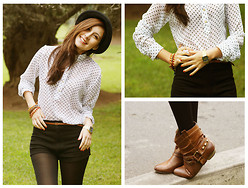 Tana Rendon - Forever 21 Cowboy Booties, Vintage Watch, Bo'hem Polka Dots Blouse, Vintage Short - In love with Polka Dots