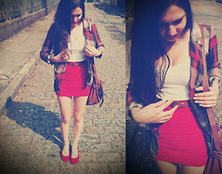 Isabela Machado - By Myself Red Skirt, Second Hand Blazer - Holidays in the sun