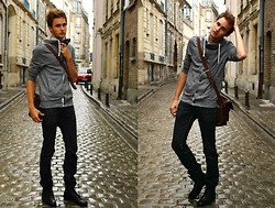 Pierre Colpart - H&M Cardigan, Zara Black Jean, Frank Wright Najavo Boots, Asos Leather Bag - Under the rain