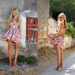 Filio Metsi - Forever 21 Dress, Zara Sandals - 50s Revisited