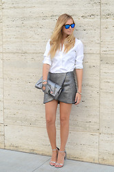 Chiara Ferragni - Alexander Mcqueen Clutch, Alexander Wang Sandals - Silver for New York