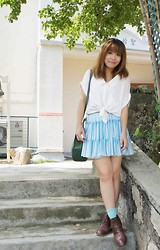Tamiko Chan - Vintage Blue And White Striped Shirt, Vintage Leather Lace Up Shoes - I am the betrayer