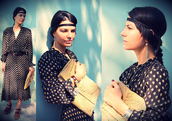 Kiki Brasnyó - Goa Silk Dress, C Und A Headband, Fossil Watch, Vintage Straw Clutch - Love, dear, is strictly for the birds