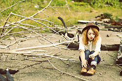 Laure McGalloway -  - A wall is not safety