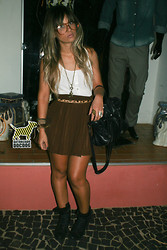 Lih Florencio -  - Brown skirt