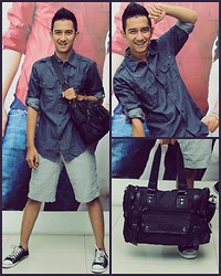 Audy Chikal - Celcius Denim Shirt, Celcius Black Bags, Converse Black Sneakers - Pop goes the world!!