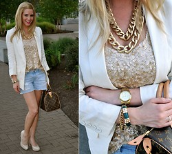 Sarah Helfgott - Express Gold Tank, Louis Vuitton Handbag, Guess? Nude Pumps, Hrh Collection Chain Necklace - Gold on gold