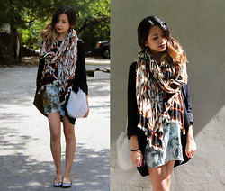 Bianca Venerayan - H&M Scarf, Wilfred Blazer, Thrifted Dress, Furry Bag, Gap Sparkly Flats - Mixing prints hehe
