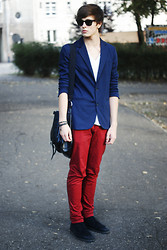 Paweł Lewandowski - Ray Ban Wayfarer, Zara Blazer - Red and blue