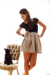 CMolloy Vintage .. - Cmolloy This Heart Skirt In The Illusionist, Blouse, Pom Béla The Pomeranian - Heart pocket skirt & pup