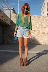 Patricia Ferreira - H&M Blouse, Vintage Shorts, Jeffrey Campbell Shoes, Retrosuperfuture Sunglasses - The new color Block