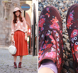 Mayo Wo - H&M Floral Sneakers, Club Couture Orange Midi, White Round Bag - Prague day 2