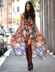 Konstantina Tzagaraki - In Love With Fashion Floral Dress, Burberry Lace Up Shoes - Who needs flowers? I got all the flowers i need in my dress!