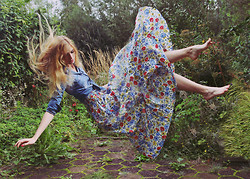 Zuzi * - Floral Maxi Dress, Denim Shirt - Floral flight