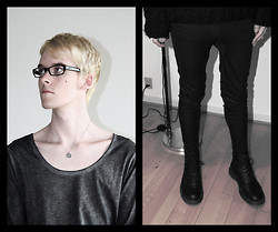 Mads Bjerre Henriksen - Ray Ban Glasses, Gift Medieval Necklace, Delusion Vintage Blouse, North Field Tights, Dr. Martens Boots - After the Before