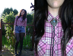 Sophie C - Texas Bolo Tie, Urban Outfitters Pink Flannel Shirt - Bolo tie! :)