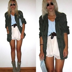 Lina S.D. - H&M Military Jacket, Babyblue Vintage Bag, Soft Rose Silk Skirt, Old, Hugo Boss Dirtygrey Boots - GREEN + PASTEL