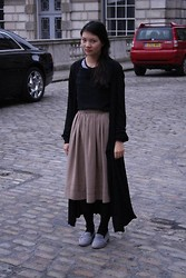 Victoria Lee - Topshop Loafers, Banana Republic Cardi, Vintage M&S Midi, Vintage Sheer Top - Lfw somerset house, witchy long cardis and midis.