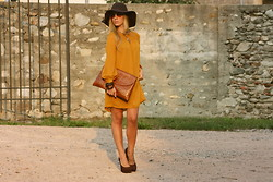 Laura G - H&M Dress Mustard, Bagatt Brown Shoes, H&M Floppy Hat - Mustard dress... Because it's Autumn, and I love it!