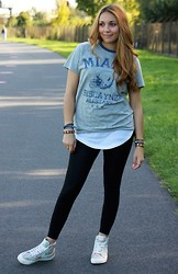 Tissi .K - Nike Shoes, H&M Leggings, New Yorker Shirt - You.