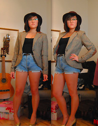 Maria B - Monki Hat, H&M Tweed Blazer, Levi's® Levis Cutoffs - He dreams of some strangers caress